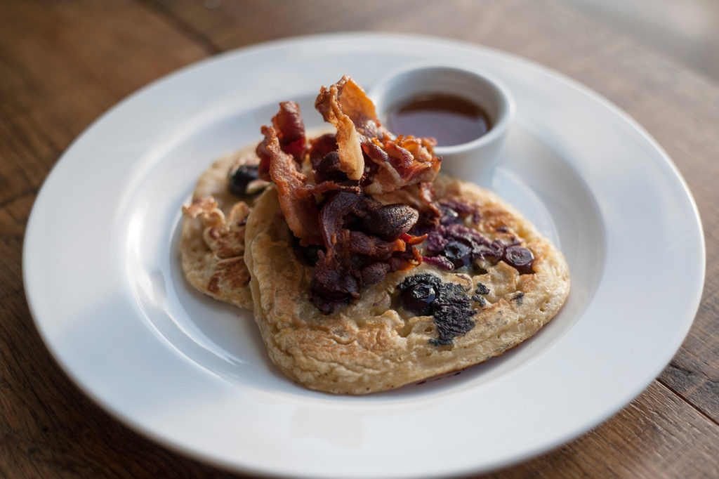 Blueberry-pancakes-with-bacon